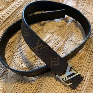 Reversible LV belt